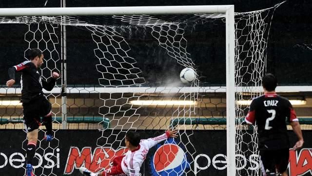 D.C. United 4-1 New York Red Bulls: Pontius scores a hat trick as United sinks sorry Red Bulls