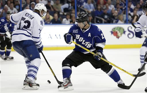 St. Louis hat trick lifts Lightning over Leafs