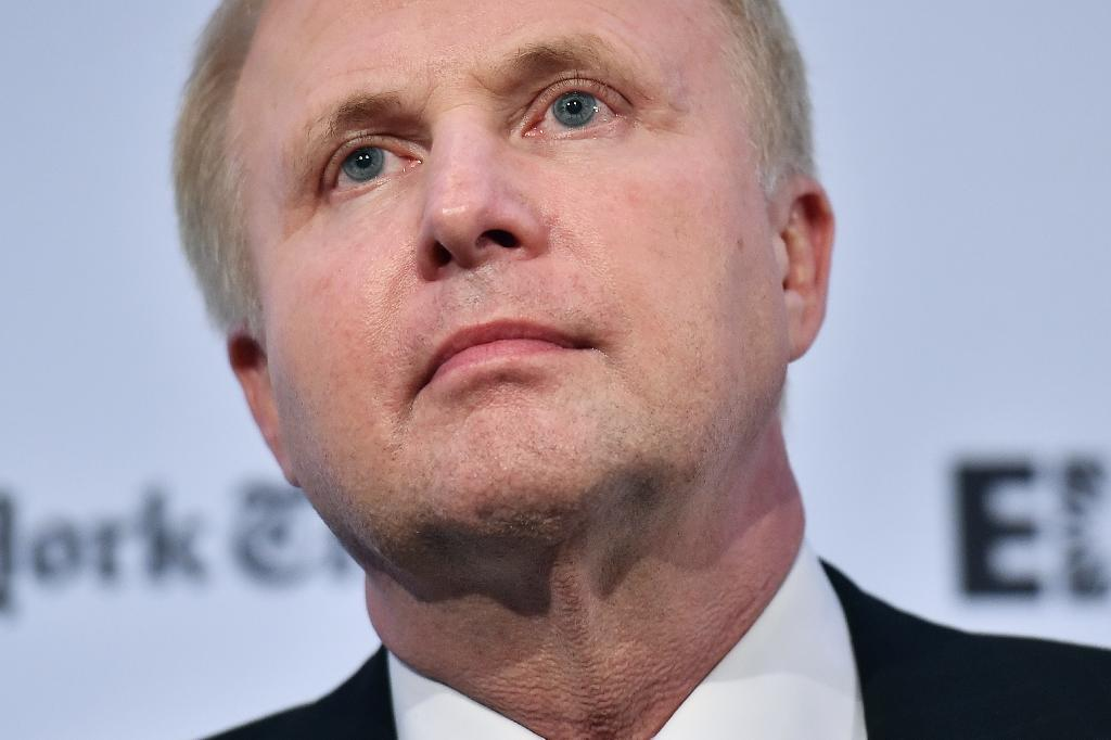 BP boss forecasts balanced oil market in second half of 2016