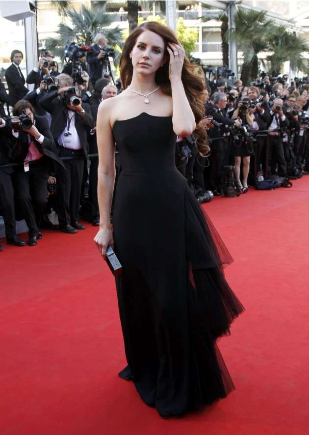 Stars Shine on Cannes' Red Carpet
