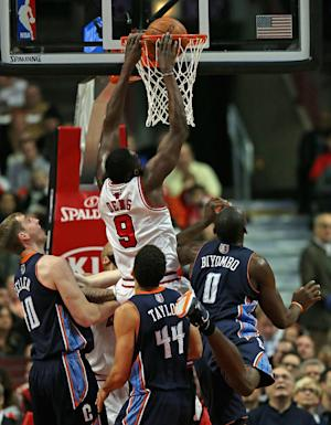 Deng helps Bulls edge Bobcats