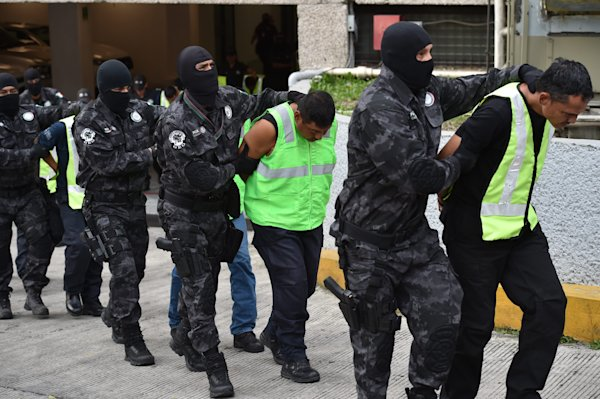 Mexico arrests drug gang leader in missing students case