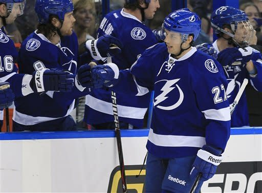 Stamkos has 2 goals in Lightning win