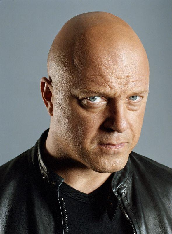 Michael Chiklis stars as Detective Vic Mackey in The Shield on FX.