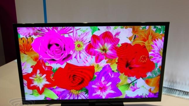 Global LCD TV shipments fall for the first time ever