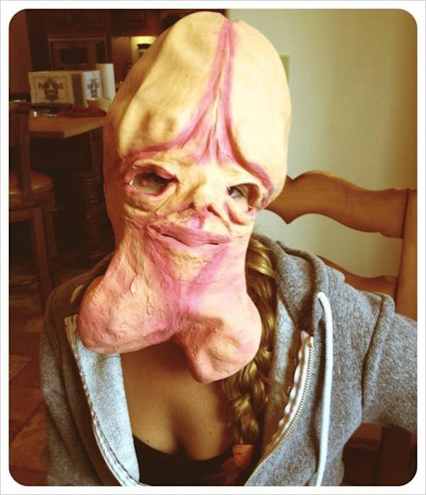 Jessica Simpson tweeted this, erm…interesting picture of her wearing a penis mask in preparation for a hen party this weekend. So many levels of weird!