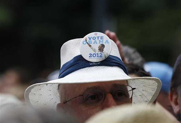 Un homme supporte Obama à CarolinaFest, avant la convention républicaine.