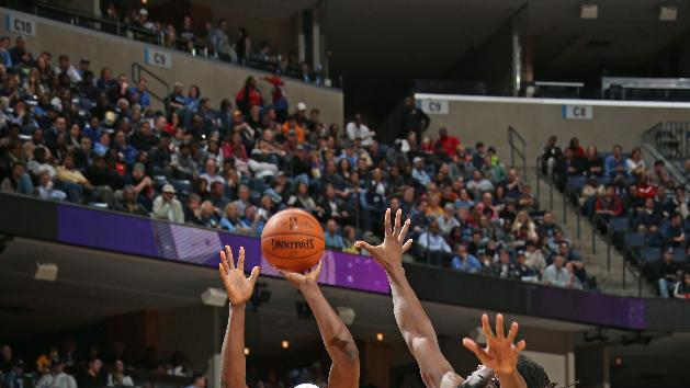Randolph's double-double leads Grizzlies over Nuggets, 99-69