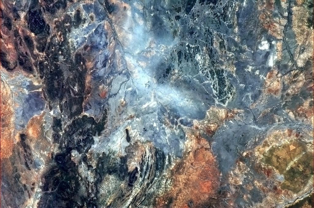 BB5K983CYAEjt6H-jpg_021951 - Incredible photos from space - Science and Research
