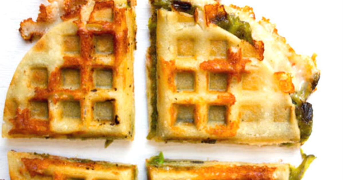 21 Mouthwatering Foods To Cook On a Waffle Iron