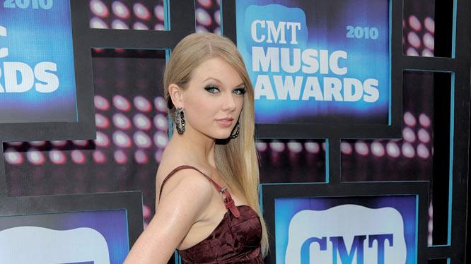 Taylor Swift CMT