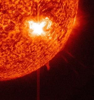 Active Sunspot Shoots Off Intense New Solar Flare