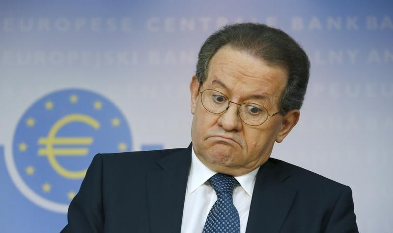ECB's Constancio sees negative inflation rate in months ahead - magazine