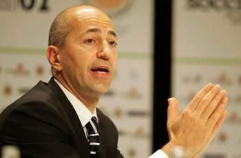 'We need to buy' - Gazidis admits Arsenal want striker in January