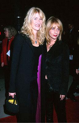 Premiere: Laura Dern and Rosanna Arquette at the Beverly Hills premiere of Castle Rock's Proof Of Life - 12/4/2000