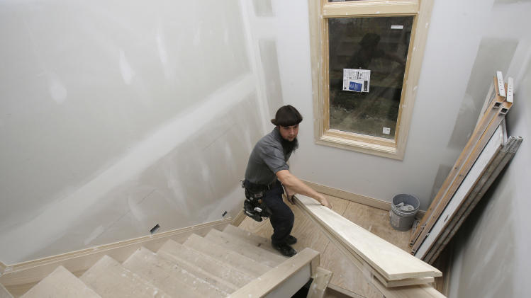 US home permits rise at 5-year high on apartments