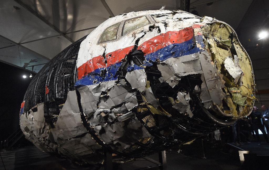 Dutch policeman held for online sale of MH17 'souvenirs'