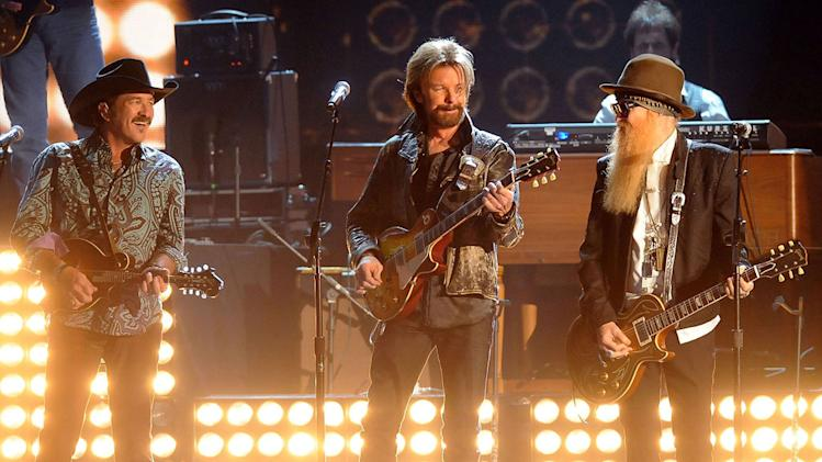 Brooks & Dunn and Billy Gibbons perform onstage during the 43rd Annual CMA Awards at the Sommet Center on November 11, 2009 in Nashville, Tennessee.