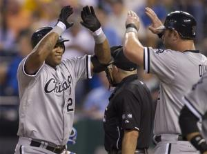 Youkilis sac fly gives White Sox 9-8 win in 14