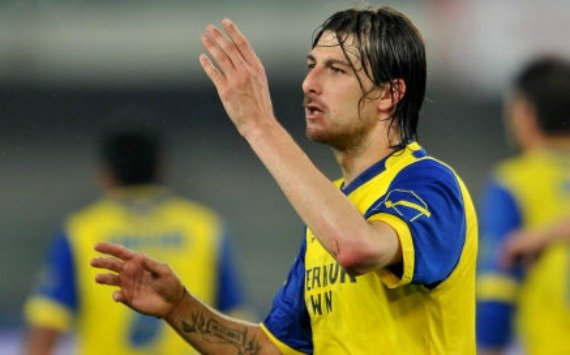AC Milan set to sign Acerbi and Constant
