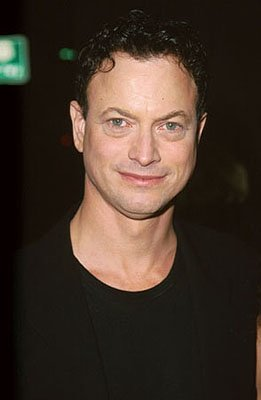 Premiere: Gary Sinise at the Hollywood premiere of Dimension's Reindeer Games at the El Capitan Theatre - 2/21/2000