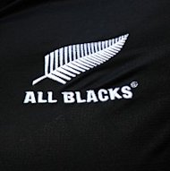 New Zealand scored two tries as they overcame South Africa 21-11