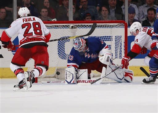 Richards scores 2, Rangers beat Hurricanes 4-2