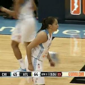 Shoni Schimmel Makes the Precision Pass to Hayes!