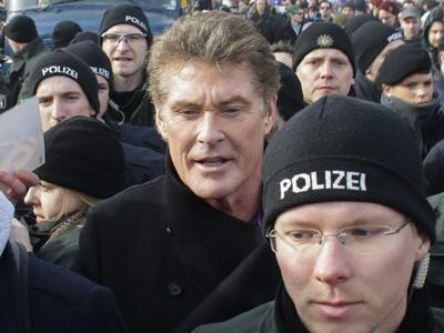 Hasselhoff Vows to Save Berlin Wall
