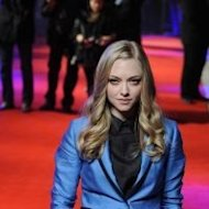 Amanda Seyfried wears the Exclusive Glamour Conscious Collection