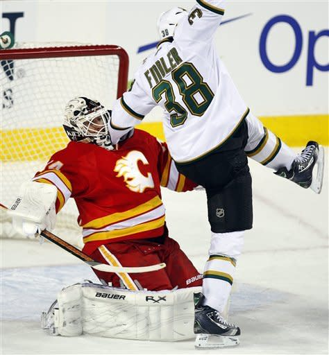 Eriksson helps Stars edge Flames