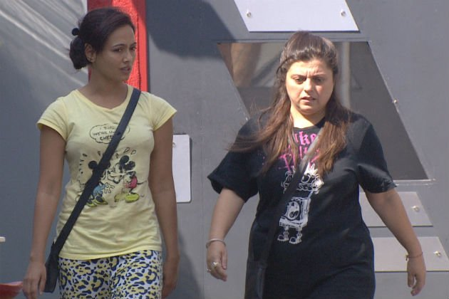 Bigg Boss 6: Sana jealous of Karishma?