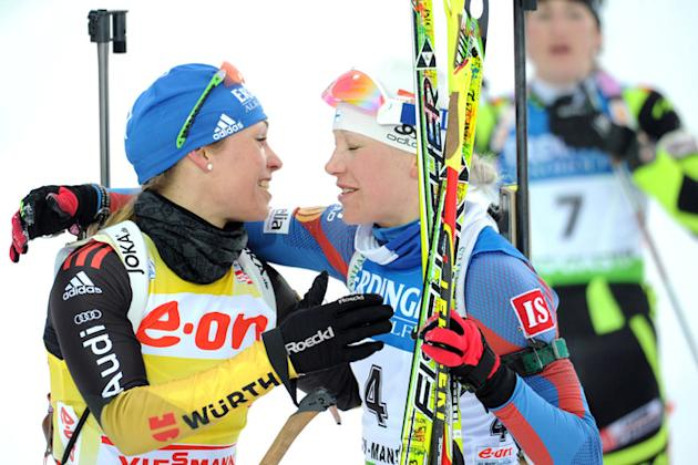 Finland's Kaisa Makarainen (R) Kisses AFP/Getty Images