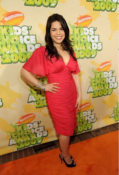 America Ferrera arrives at Nickelodeon's 2009 Kids' Choice Awards at UCLA's Pauley Pavilion on March 28, 2009 in Westwood, California.
