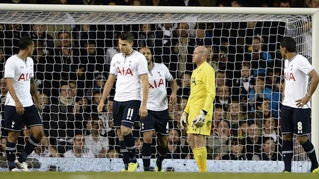 Tottenham Hotspur's goalkeeper Brad Friedel (2nd R) reacts after scoring an own goal during their English League Cup fourth round soccer match against Hull City at White Hart Lane in London, October 30, 2013. REUTERS