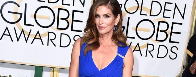 Is the unretouched photo of Cindy Crawford a fake?