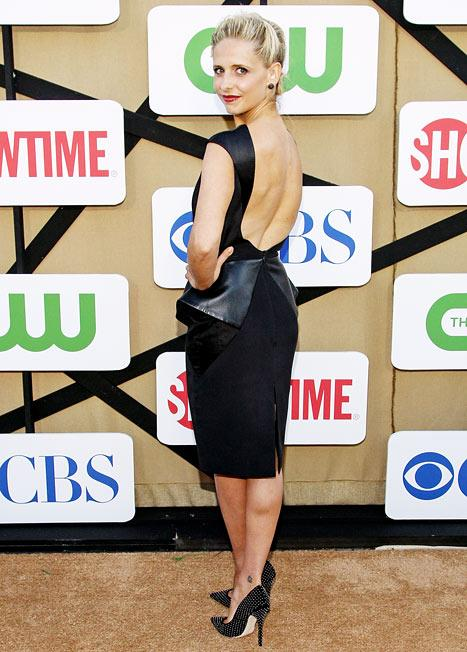 Sarah Michelle Gellar Rocks Backless Dress, Admits to Wearing Spanx