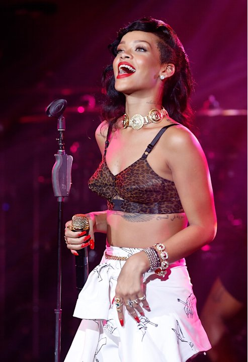 Rihanna Plays London Leg Of Her 777 Tour