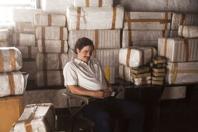 Netflix's Narcos is like a bland guy reading you the Wikipedia entry on Pablo Escobar