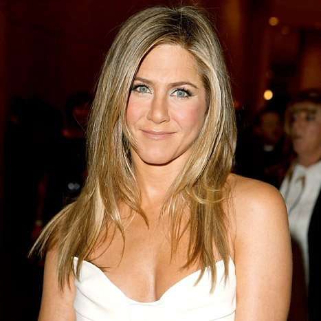 Jennifer Aniston Named the New Face of Aveeno Skincare