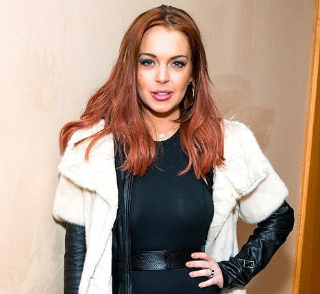 "Lindsay Lohan Guest Stars on Charlie Sheen's Anger Management: She's ""Been on Her Best Behavior"""
