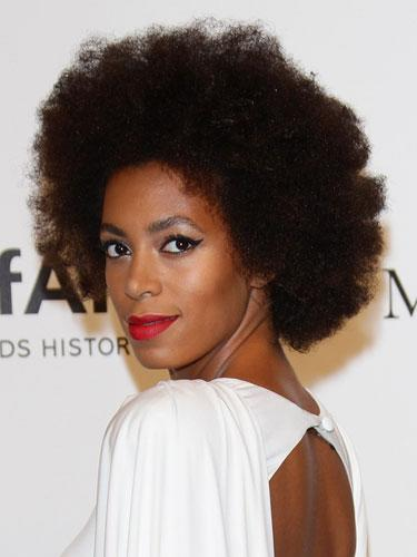 Chin-length: Solange Knowles