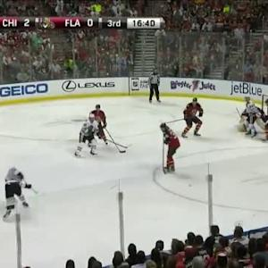 Roberto Luongo Save on Jonathan Toews (03:17/3rd)