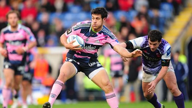 Stade Francais Paris&#39; Lisandro Gomez Lopez gets away from London Welsh&#39;s Ryan Davies