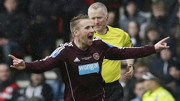 Ryan Stevenson has agreed to take a pay cut at Hearts