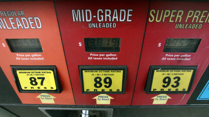 Gas prices fall as weather, output calm markets