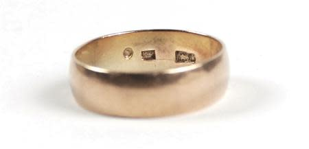 RR Auction image of Lee Harvey Oswald's wedding band that he left at his wife's bedside the morning of the U.S. President John F. Kennedy's assassination