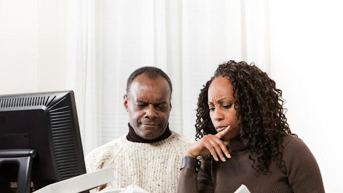 The Couple's Question: Separate or Joint Accounts?
