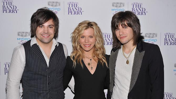 Schick Hydro Silk Partners With The Band Perry For Private Concert In NYC To Kick Off Summer Tour