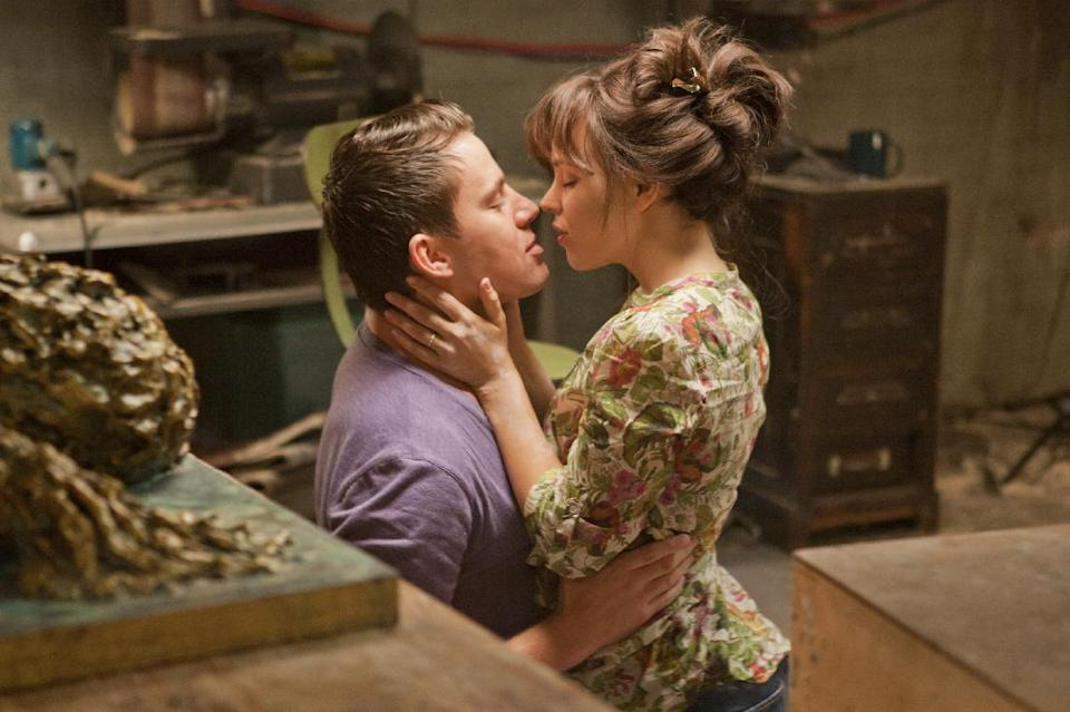 "FILE - In this file photo released by Columbia Pictures, Rachel McAdams, left, and Channing Tatum are shown in a scene from ""The Vow."" (AP Photo/Columbia Pictures/Sony, Kerry Hayes, File)"